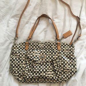 LAST PRICE❤️Coach bag model Op Art Leah 13142